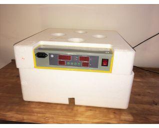 Broedmachine wordt geleverd in piepschuim, zo kun je de broedmachine ook op plaatsen gebruiken waar de temp. schommeld